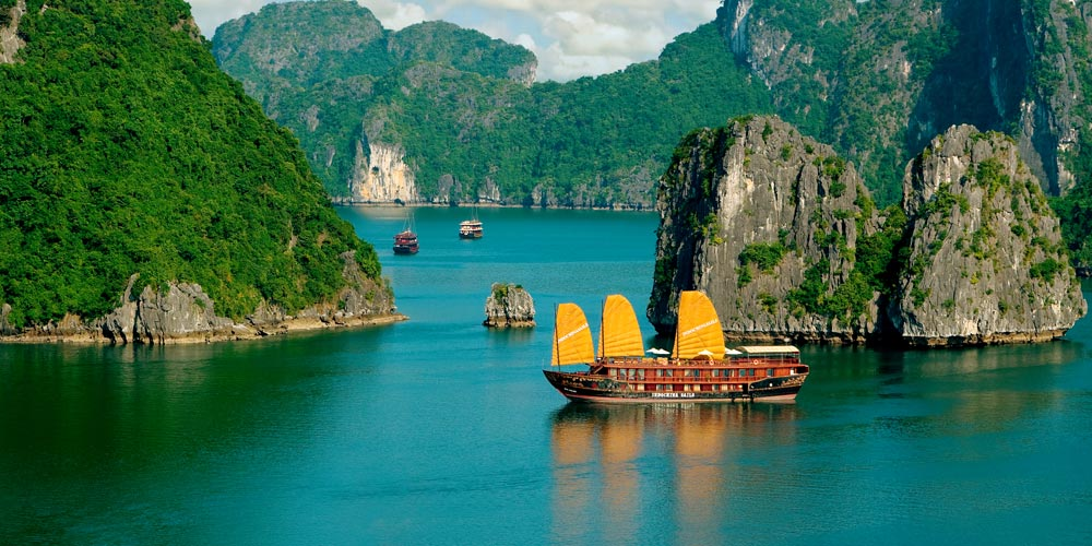 Luxury holidays, private tours and custom travel packages to Vietnam, Laos, Cambodia, Myanmar (Burma) | Amasia Travel - The art of exploring
